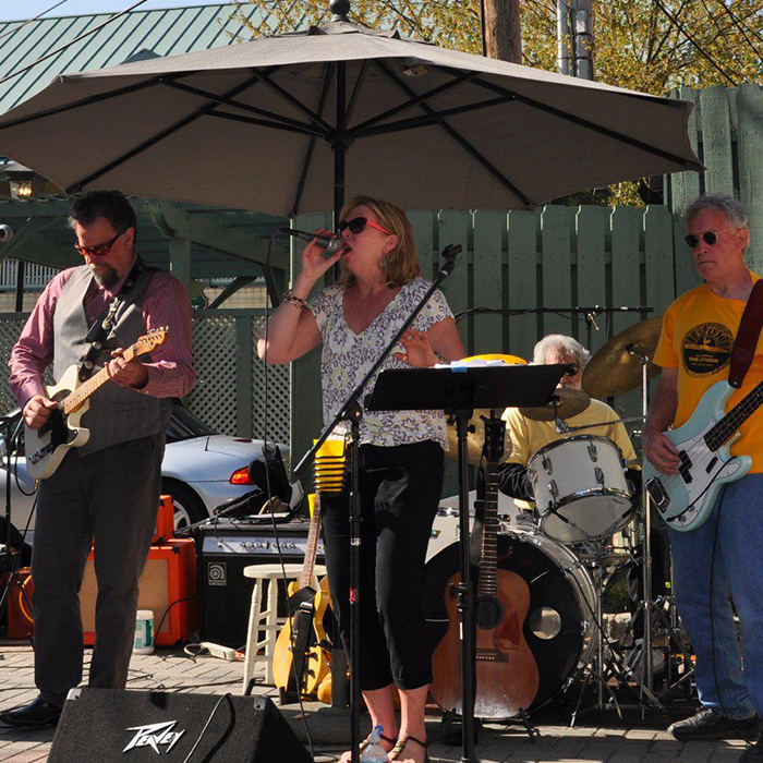 Laurie Vosburg & 519 South Band